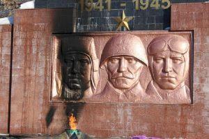 Вечный огонь Южноуральска осквернен вандалами
